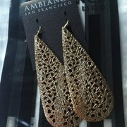 Ambiance - San Francisco, CA, États-Unis. Earrings $6