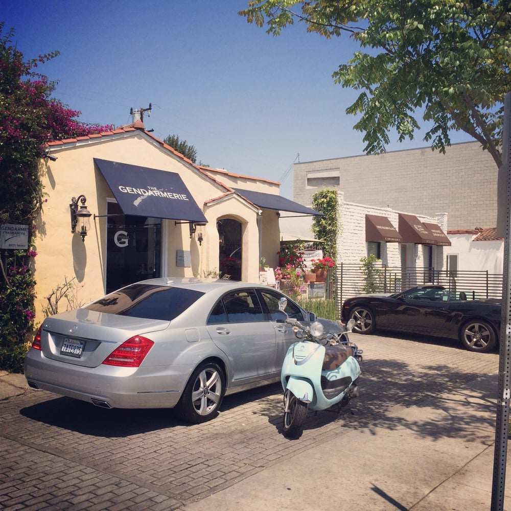The gendarmerie boutique spa 64 photos spa west for 56 west boutique and salon