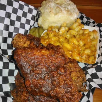 The Roost Carolina Kitchen Chicago Il United States Nashville Hot Chicken With Mac And
