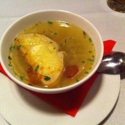 Zupa cebulowa z grzanka - 8 zł