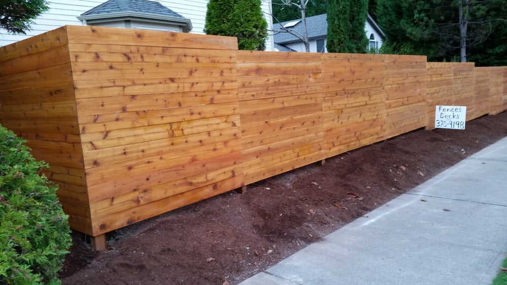 Horizontal Cedar Stained No Gaps Privacy Fence With Beauty