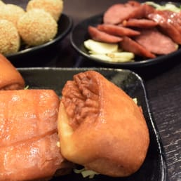 SNACKS: Crispy Bread, Sesame Ball, and Taiwanese Sausage!