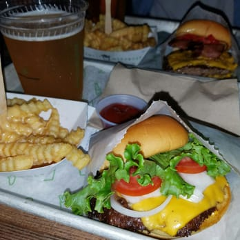 Shake Shack 172 Photos 203 Reviews Burgers 986
