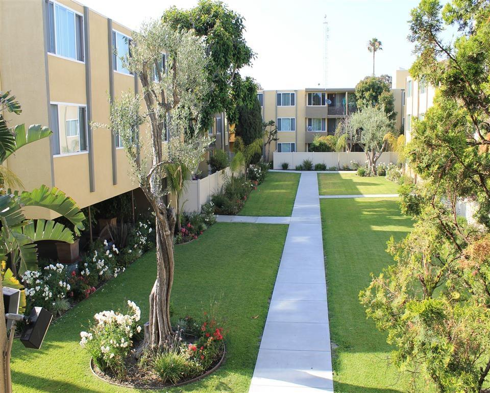 Woodlake Apartments Los Angeles Los Angeles Ca