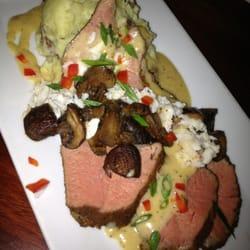 Jaxon Social - Steak Diane with wasabi mashed potatoes - Jacksonville Beach, FL, Vereinigte Staaten