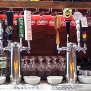 The Famous - Glendale, CA, États-Unis. Beers on draft