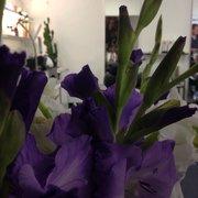 Hier gibt es immer schöne Blumen :)