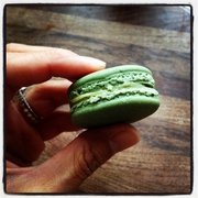 Whole Foods - Pistachio Macaron from the bakery. - Annapolis, MD, Vereinigte Staaten