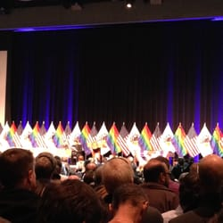 Uic Forum - Waiting for the marriage equality bill signing. - Chicago, IL, Vereinigte Staaten