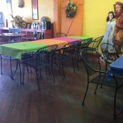 Toto's Tacoz - Beautiful decor! - Wamego, KS, Vereinigte Staaten