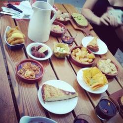 Tapas Café - Strasbourg, France. Peut être que j'ai un peu forcé sur les tapas la dernière fois, mais c'était franchement bon. Et j'avais faim.