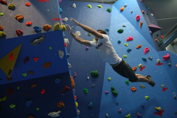 King kong climbing gym escalada las rozas de madrid madrid rese as fotos yelp - Cabo rufino lazaro ...