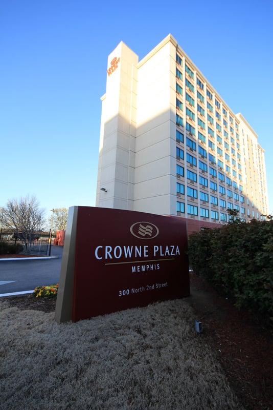 crowne plaza memphis downtown hotels uptown memphis. Black Bedroom Furniture Sets. Home Design Ideas