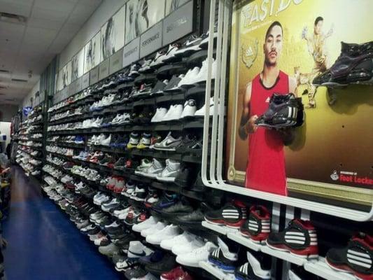 Shoe Stores In Schaumburg
