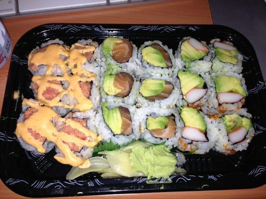 Spicy tuna crunchy roll with spicy mayo 2. &vocado roll 3 ...