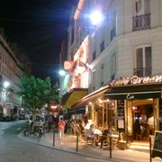 Le Bruant - Paris, France. Quite busy on a Saturday night