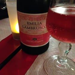 Vanzetti - Bordeaux, France. Le fameux lambrusco rosé !