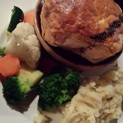 steak and ale pie and mash
