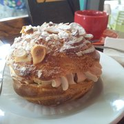 Bonjour Cafe Bakery - Paris brest - Chicago, IL, Vereinigte Staaten