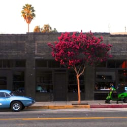 Blair's Restaurant - Los Angeles, CA, États-Unis. Newly Renovated Exterior