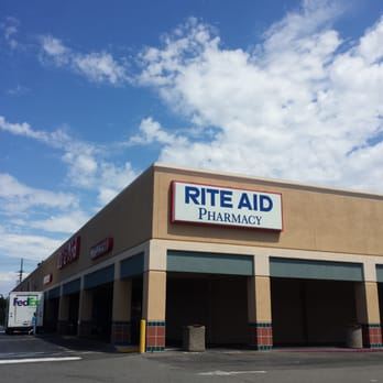 Rite aid 14 photos 36 reviews pharmacy chemists for Aide facade