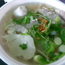 Wat thai temple pork noodle soup 4 north hollywood for Amazing thai cuisine north hollywood