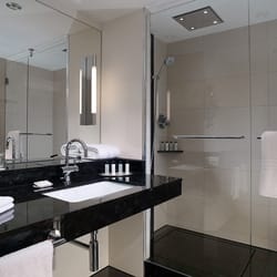 Guest Bathroom example at the Berlin Marriott Hotel