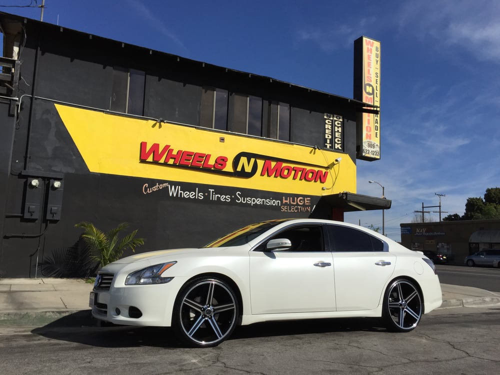 2014 Nissan Maxima On 22 Quot Iroc Wheels On Delinte Tires Yelp