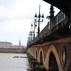 Le Pont de Pierre vu de l'intérieur,…