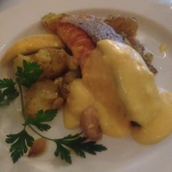 Salmon fillet, Hollandaise sauce, garlic…