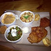 Honey Butter Fried Chicken - 2piece chicken, Chinese broccoli, Mac n cheese, chicken pot pie, & corn muffins! - Chicago, IL, Vereinigte Staaten