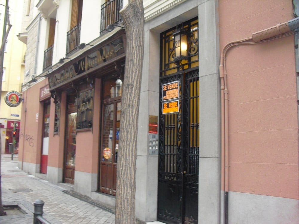 Aria closed ethnic food chamber madrid spain for Aria persian cuisine