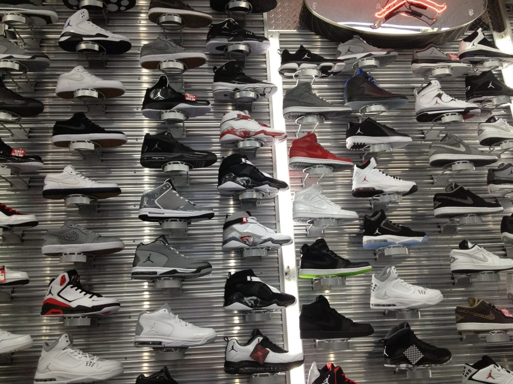 Shoe Palace - San Jose, CA, United States. Other worried customers from shopping