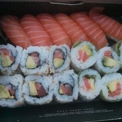 Box à 14,9€ avec 6 sushis saumon, 6…