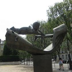 Place des Fêtes, Paris