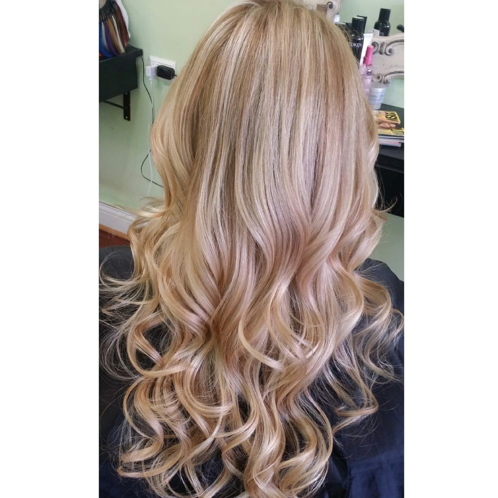 Il united states all over highlights on our blonde bombshell sarah