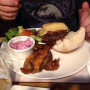 The Bombardier - Paris, France. Burger, frites et coleslaw