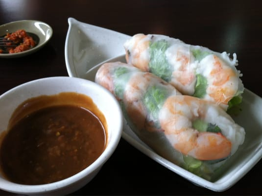 rolls with spicy peanut sauce vegetable spring rolls with peanut sauce ...