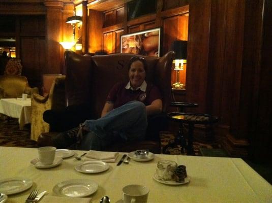 Sorrento Hotel Fireside Room Entertainment
