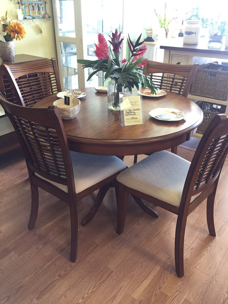 Hudson square furniture furniture stores 14158 us 19 for Furniture stores in us