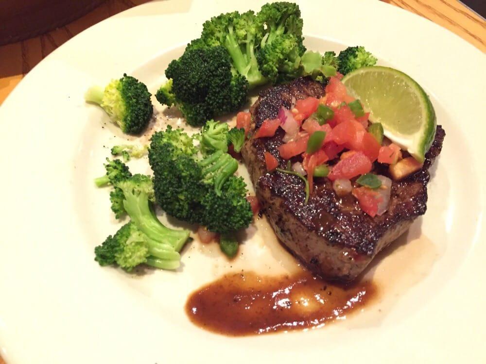6oz sirloin steak (medium) with steamed broccoli (light choice option ...