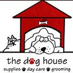 The dog house 18 photos pet boarding pet sitting for Dog kennels los angeles