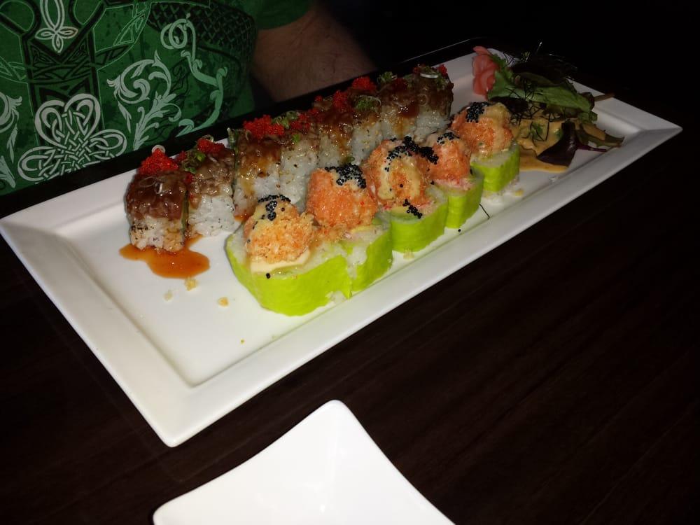 Blue fish japanese restaurant sushi bars hicksville for Blue fish restaurant