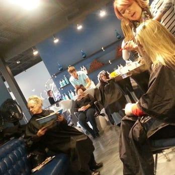 Blo salon 10 photos 11 reviews hair salons 45318 for Blo hair salon