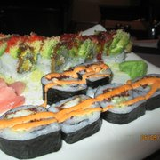 Maiko - Spider Roll (front) and Green Dragon (I think) - - meh.  Couldn't taste the jalapeno. - Austin, TX, Vereinigte Staaten