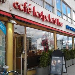 Caf lasipalatsi mannerheimintien puoleinen sis nk ynti for Kiila food bar 00100 kalevankatu 1 helsinki suomi