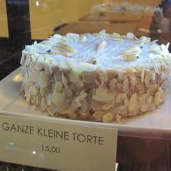 An solch leckerer Kuchenkunst-Auslage im…