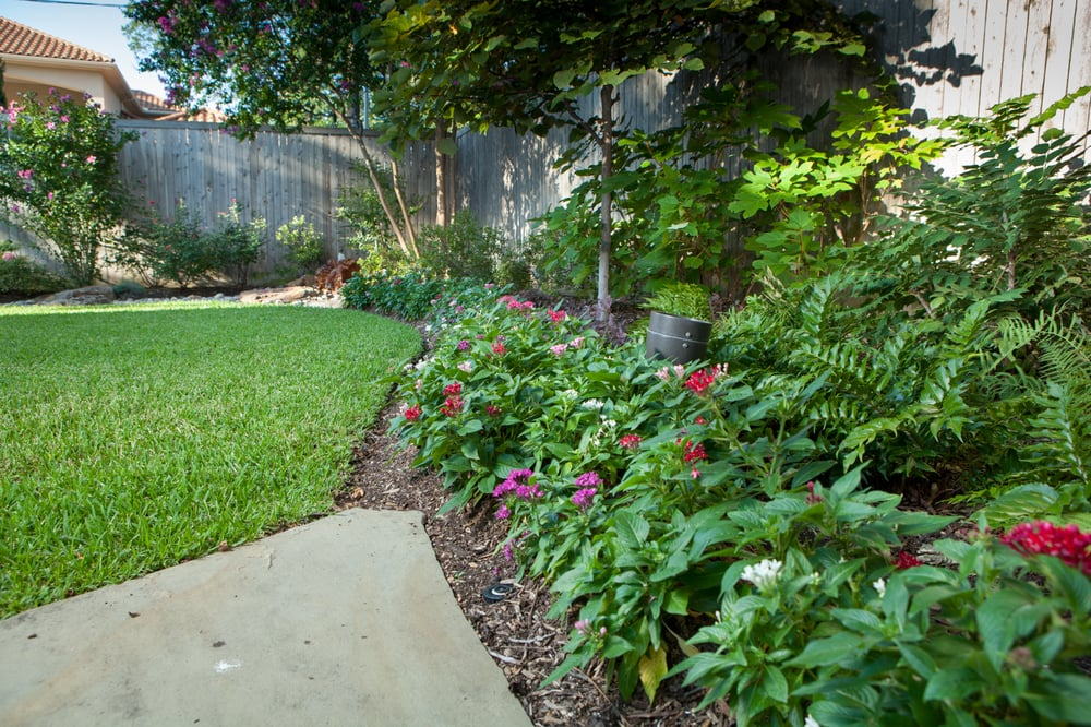 Lush Water Wise Landscapes Featuring Color Hardscape And