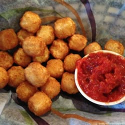 Papa's Grill - Pepper jack cheese balls!  A must! - Columbus, IN, Vereinigte Staaten