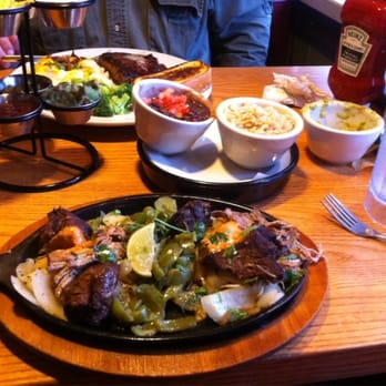"Chili's Grill & Bar - Carnitas with ""tower'o'condiments"" - Pittsburgh, PA, Vereinigte Staaten"